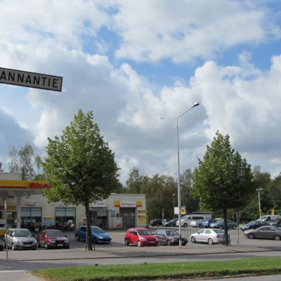Huoltoasema Lahden Jalkarannantiellä.