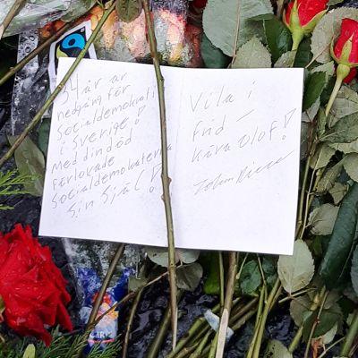 Olof Palmen hauta Tukholmassa talvella 2020.