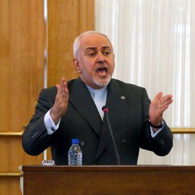 Iranin ulkoministeri  Mohammed Javad Zarif lehdistötilaisuudessa Teheranissa elokuussa 2019.
