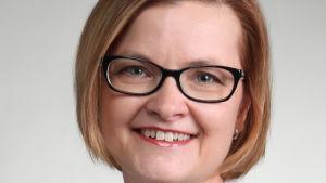 Foto på Siru Lönnqvist som är verksamhetsledare för VVS-föreningen i Finland