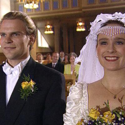 Teijo Eloranta ja Minna Pirilä elokuvassa Onnellinen hääpäivä