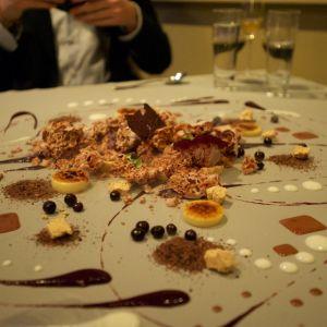 En präktig efterrätt från restaurang Alinea i New York.