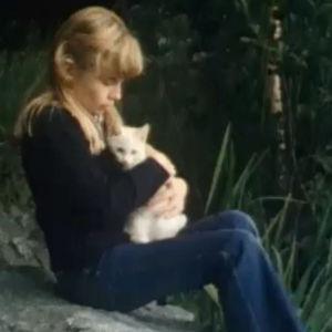 Tyttö ja kissa (1978).