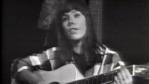 Anki Lindquist laulaa ohjelmassa Balladi -65.