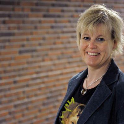 Ann-Cathrine Jungar forskar i populistiska rörelser vid Södertörns högskola.