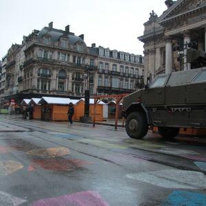 Polis och armé övervakar Bryssel.