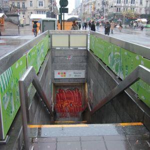 En stängd metrostation i Bryssel på grund av terrorhotet.