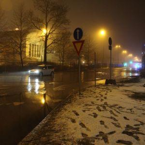 Vattenläckage i Sörnäs.