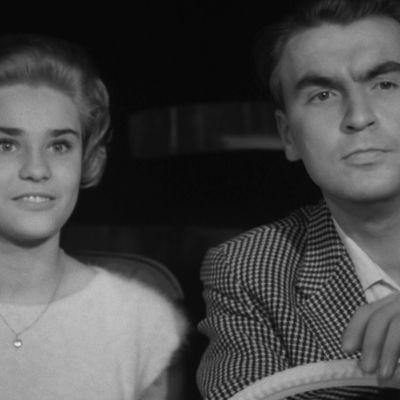 Ismo Kallio ja Anita Sohlberg Yrjö Nortan elokuvassa Kolmas laukaus (1959).