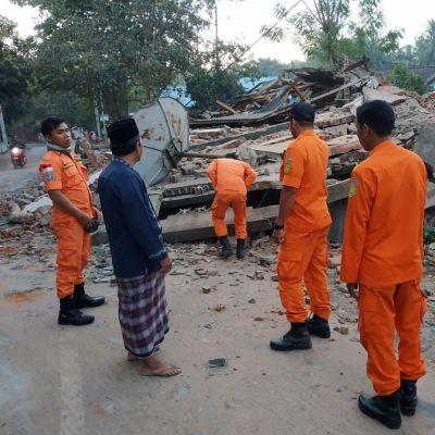 Skalvet med magnituden 7.0 krävde över 80 dödsoffer och orsakade omfattande materiella skador