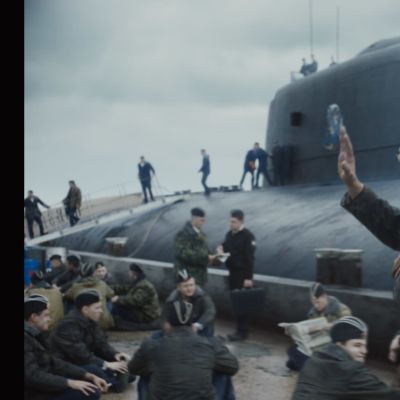 Ubåtsbesättningen samlade utanför Kursk innan avfärden.