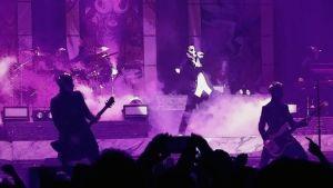 Det svenska hårdrocksbandet Ghost på scenen.