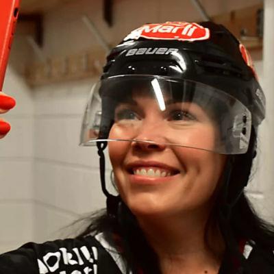 Eeva Perttula jobbade tidigare som vd för Ässät.