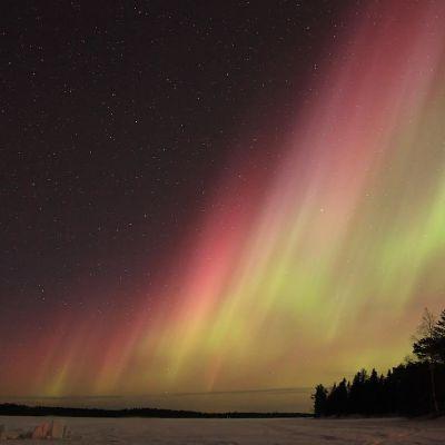 Revontulet Rovaniemen Perunkajärveltä