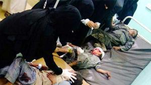 Åtminstone 29 barn dödades medan 43 skadades, då saudiarabiska stridsplan angrep en buss full med barn vid ett torg i Saada