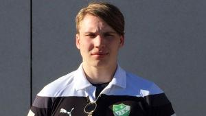 Anton Karlsson är ny center i Grankulla IFK:s handbollslag.