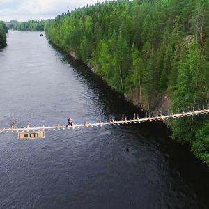Havainnekuva Kymijoelta Iitin Mankalassa, jonne suunnitellaan 70-metristä riippusiltaa.