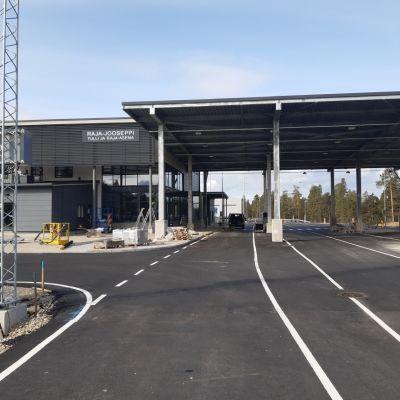Raja-Joosepin kansainvälisen rajanylityspaikan tarkastustoiminta aloitti uusissa tiloissa.