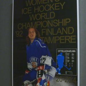 Plansch för dam-VM i ishockey 1992 med Riikka Nieminen.