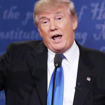 Donald Trump vaaliväittelyssä.