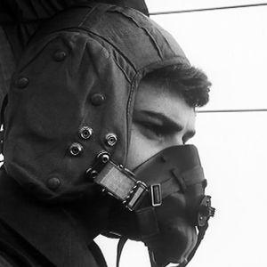 Lentäjä maski kasvoilla