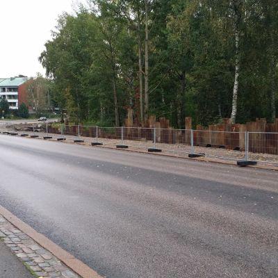 Lapinmäentie Munkkivuoren ja Pikkuhuopalahden välissä.
