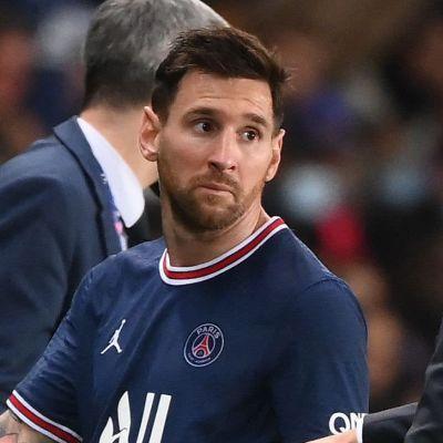 Lionel Messi talar med Mauricio Pochettino.