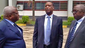 Tre förra burundiska presidenter Domitien Ndaiyzeye, Pierre Buyoya och Sylvestre Ntibantunganya.