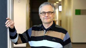 Tutkimusprofessori Hannu Kiviranta
