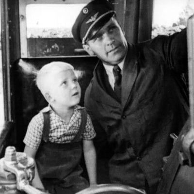 Poika ja veturinkuljettaja
