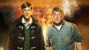 Väärät miehet -komedian päähenkilöt Sam (Mathew Baynton) & Phil (James Corden)