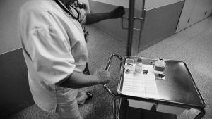Lääkkeidenjakotilanteet ovat sairaaloissa riskialtiita virheille.