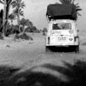 Suomalaisauto Saharassa (1967).