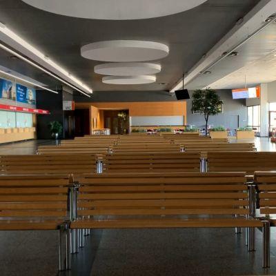Tyhjä terminaali Virossa.