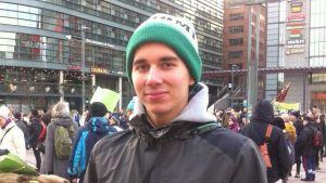 Sebastian Österman, arrangör för klimatmarschen i Helsingfors 2015