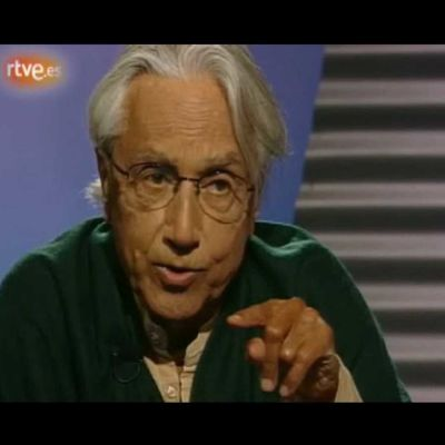 Harmaapäinen mies Espanjan television kuvassa