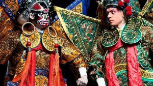 Elias Edström som Jin Wuzhu och Antti Silvennoinen som Gao Chong