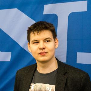 """Samuli """"elfi"""" Sihvonen on StarCraft 2 -pelaaja"""