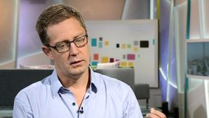 Antti Kuronen besöker aamu-tv efter sin resa till Gaza.
