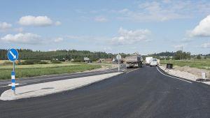 Omfartsvägen öster om Salo byggdes åren 2015-16.