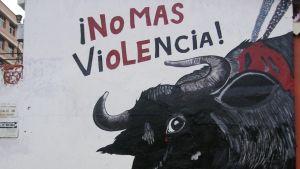 Härkätaistelujen vastainen seinägraffiti