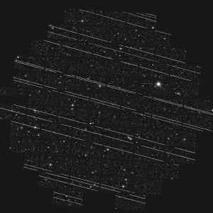 Starlink-satelliittien viiruja kaukoputken kuvakentässä