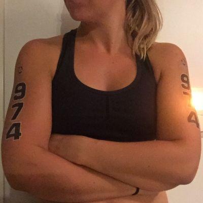 Paula Suokas med tävlingsnummer.