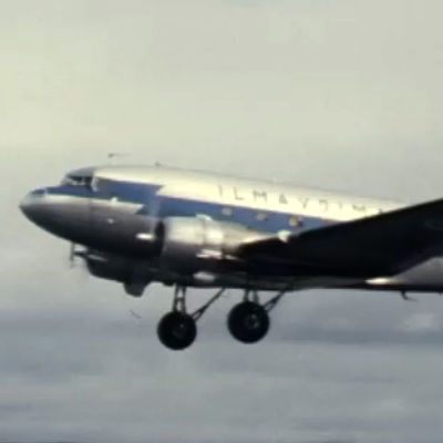 Ilmavoimien DC-3-kone (1978).