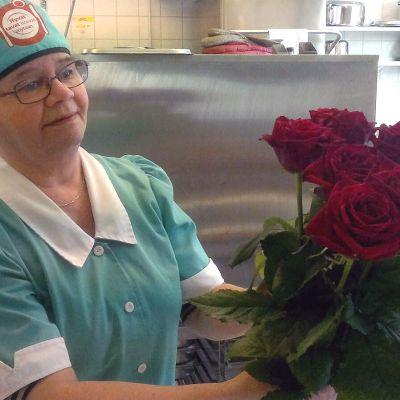 Eliisa Marttila ja naistenpäivän punaiset ruusut
