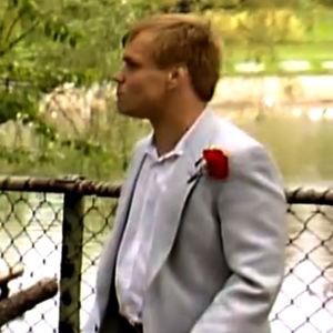 Jykä Pietinen tv-sarjassa Sisko ja sen veli (1986).