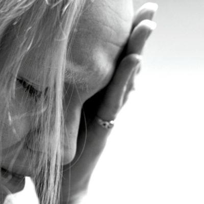 Itku, suru, masennus, ikävä, harmi