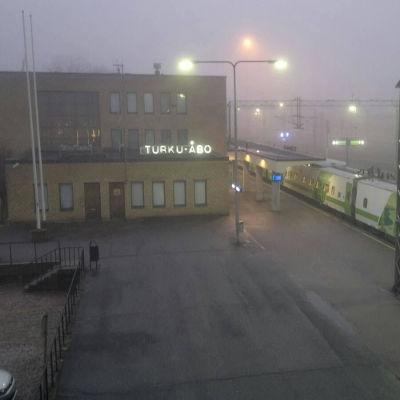 Dimma över Åbo järnvägsstation