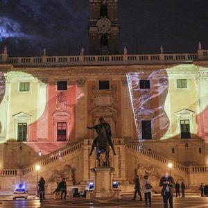 Capitolium i Rom i Belgiens färger den 22.3.2016.
