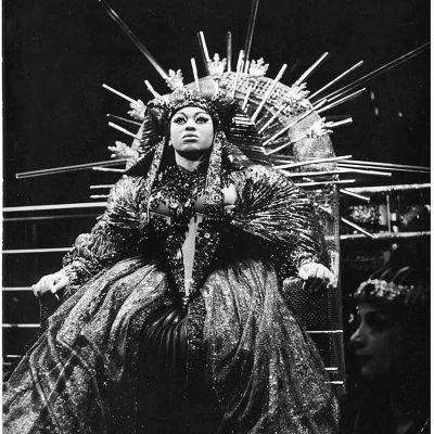 Sopraano Leontyne Price Kleopatrana Samuel Barberin oopperassa Anthony and Cleopatra.